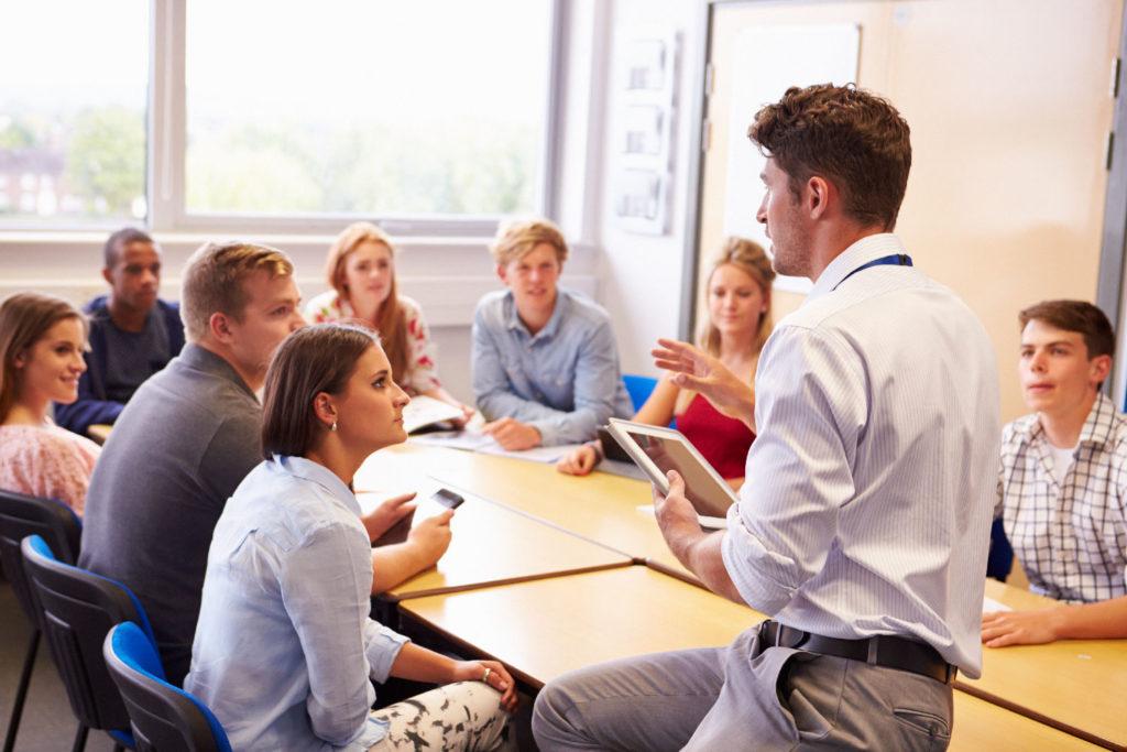EDKIMO-feedback-app-feedbackschule-school-classroom-schule-unterricht-seminar-campus-vorlesung-higher-education510617367-1500px